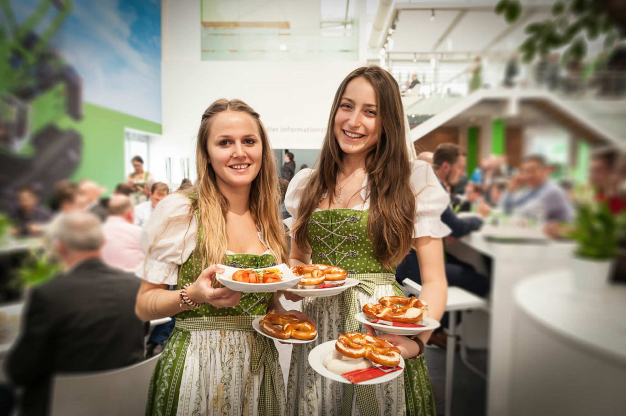 [Translate to English:] Catering am Messestand